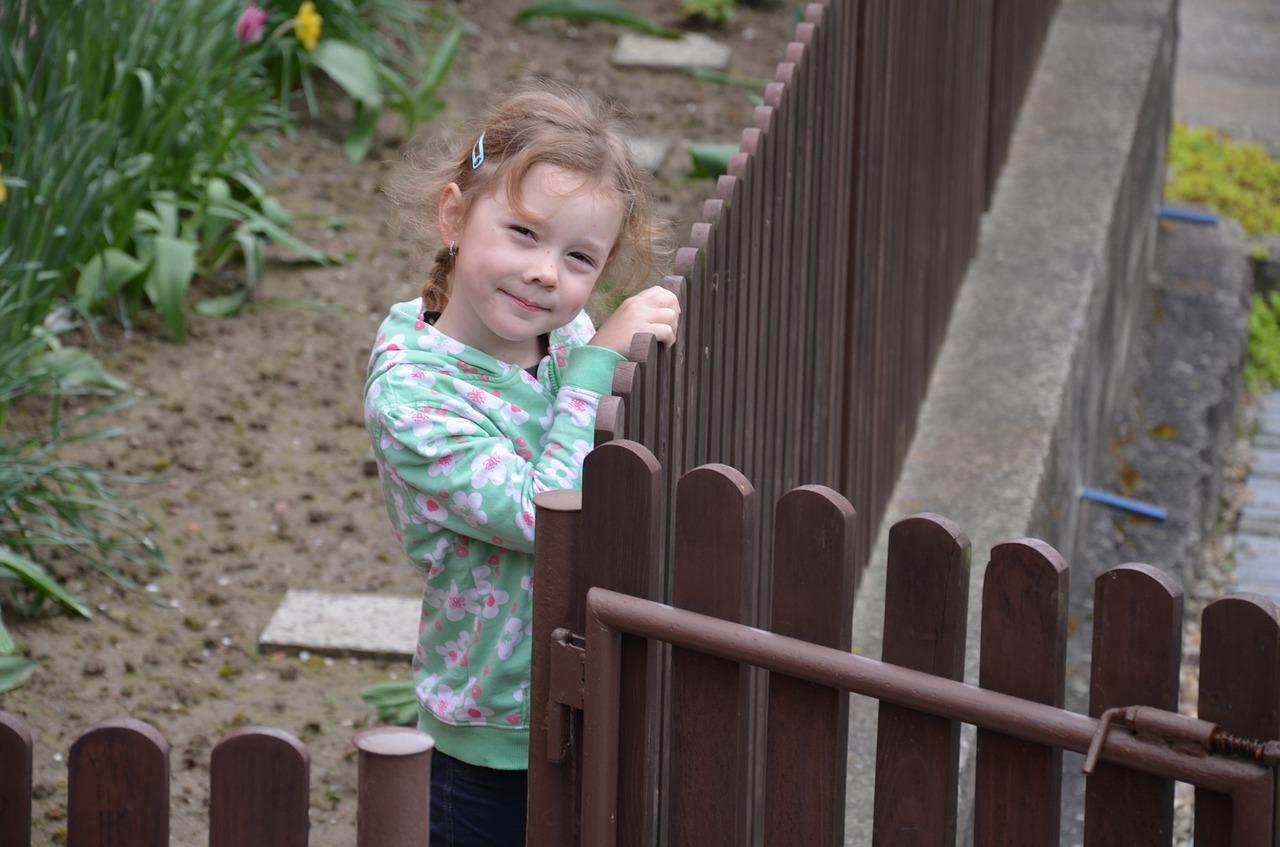 Obrázek: Děti satelitních městeček nejsou zvyklé vytvářet si sociální vazby s vrstevníky.