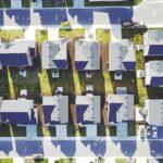 Jak udržet dobré sousedské vztahy v satelitním městečku?