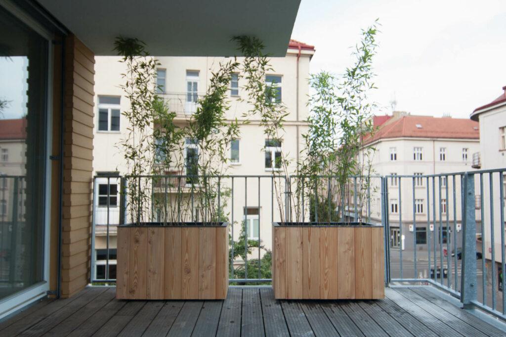 Dřevěné truhlíky boo pro zahradu.